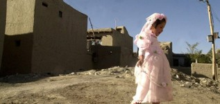 ازدواج زودهنگام، تهدید جدی برای تربیت نسل آینده